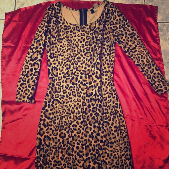 H&M Dresses & Skirts - Cheetah Bodycon Dress